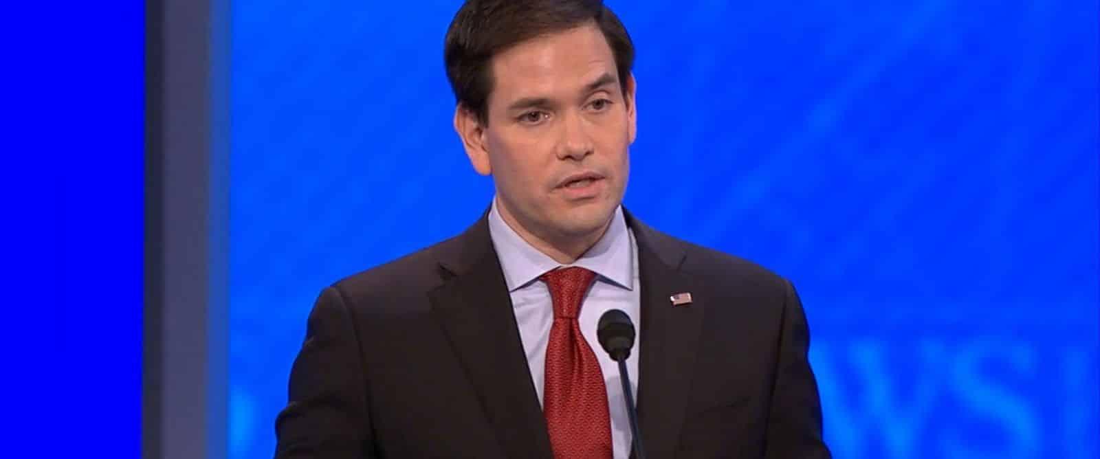 Marco Rubio répète 3 fois la même chose lors du débat du New Hampshire
