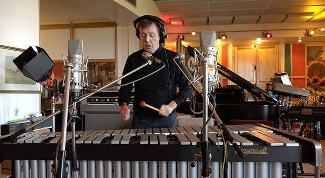 Paul McCartney compose des mélodies pour Skype