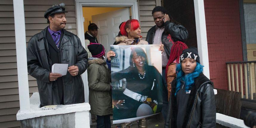 La famille endeuillée de la victime