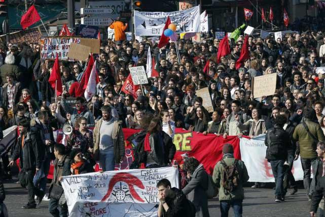 Des dizaines de milliers de jeunes ont participé dans toute la France à des manifestations. Photo AP