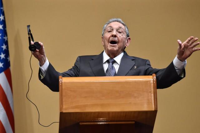 Le président cubain Raúl Castro a vivement réagi lundi aux questions des journalistes . Photo AFP