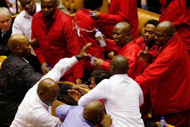 Bagarre-au-Parlement-sud-africain
