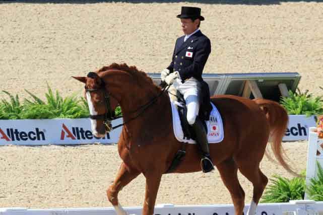 Le cavalier japonais Hiroshi Hoketsu. Photo Reuters