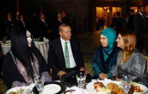 Erdogan-avec-une-transsexuelle