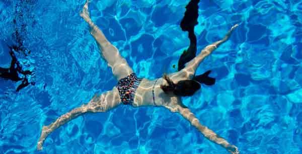 Suede-piscine