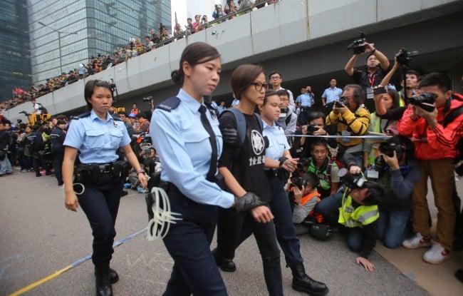 L'interpellation de Denise Ho en décembre 2014 - Photo SIPA