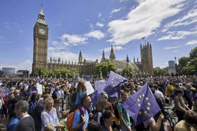 Des milliers de manifestants sont descendus dans les rues de Londres . Photo AFP