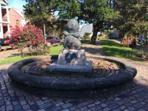 pikachu-statue