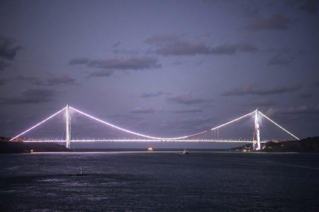 Le pont Yavuz Selim, troisième pont du Bosphore, a été inauguré vendredi à Istanbul. Photo AFP