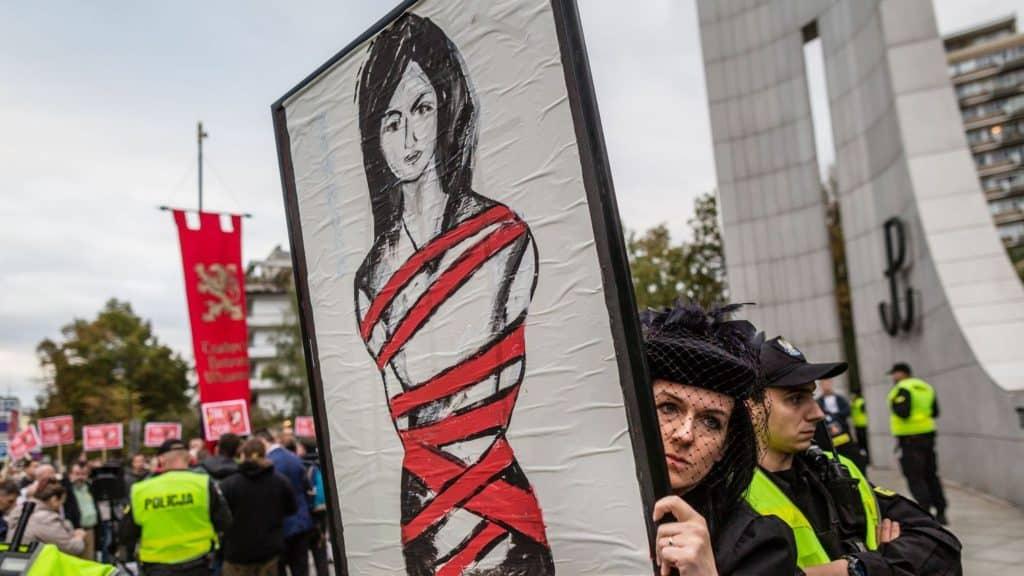 Manifestation en faveur de l'avortement, le 22 septembre 2016 devant le Parlement. AFP