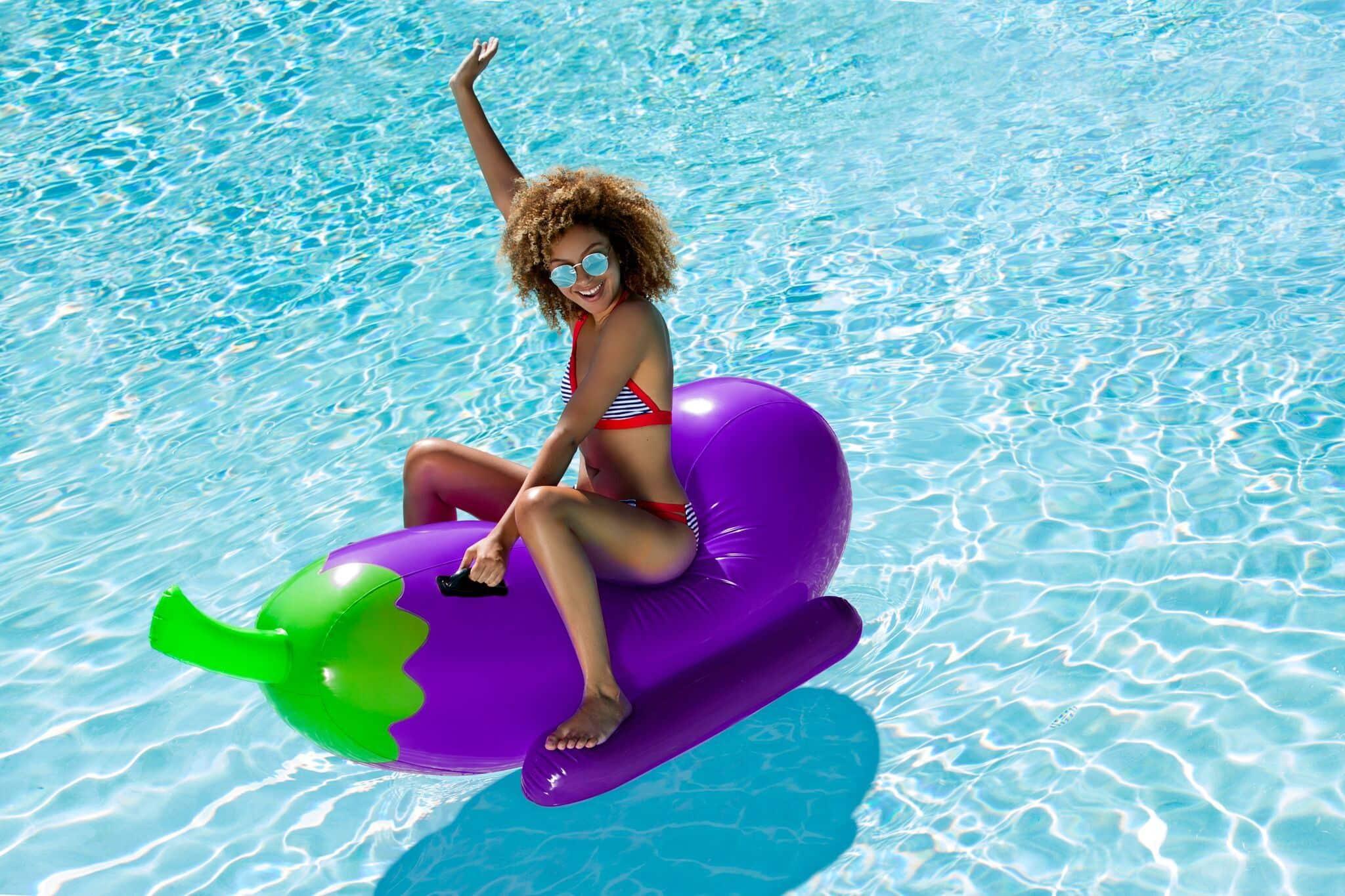 aubergine piscine