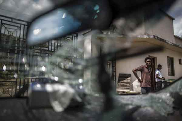 Affrontements dans les rues de Libreville — Gabon