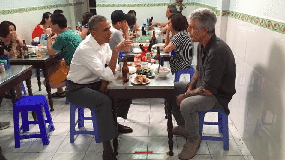 obama-bourdain-hanoi
