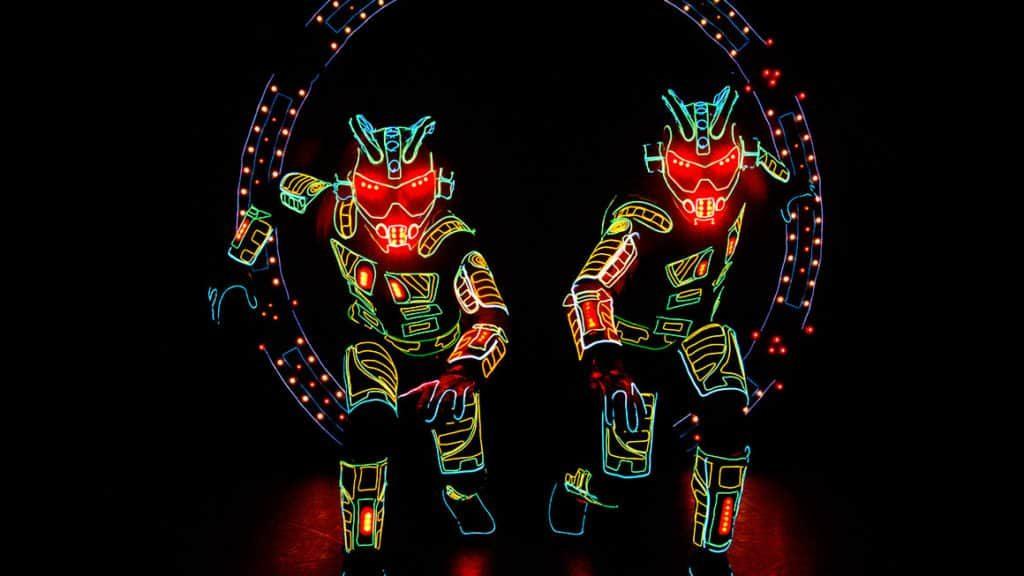 Un scène du spectacle du groupe iLuminate