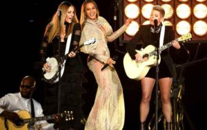 country-music-awards-beyonce